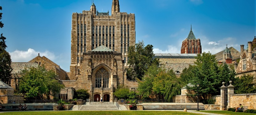 Can international students receive a huge scholarship to top-ranked universities in theUSA?